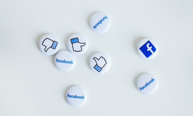 How councillors can build a community of supporters using Facebook Groups